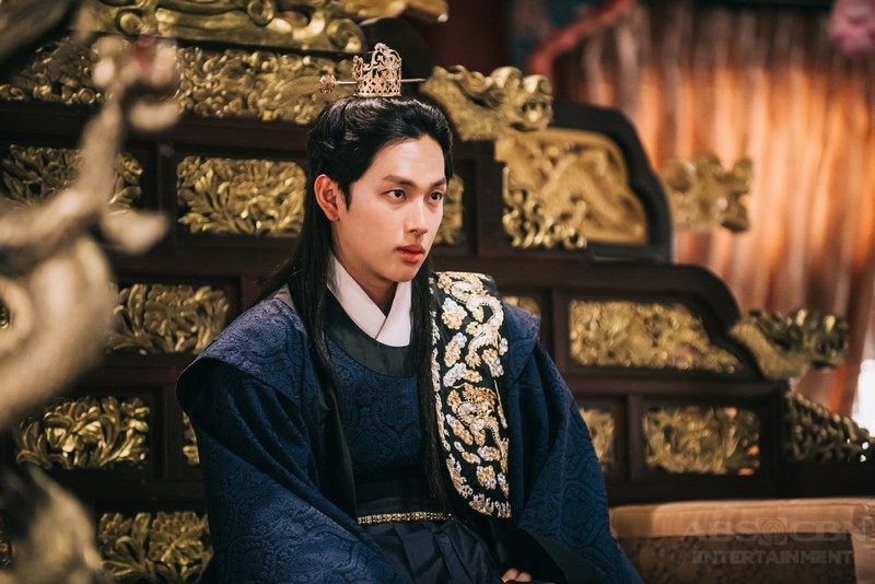 Meet the multi-faceted popstar-turned-actor Si-Wan of The King is In Love